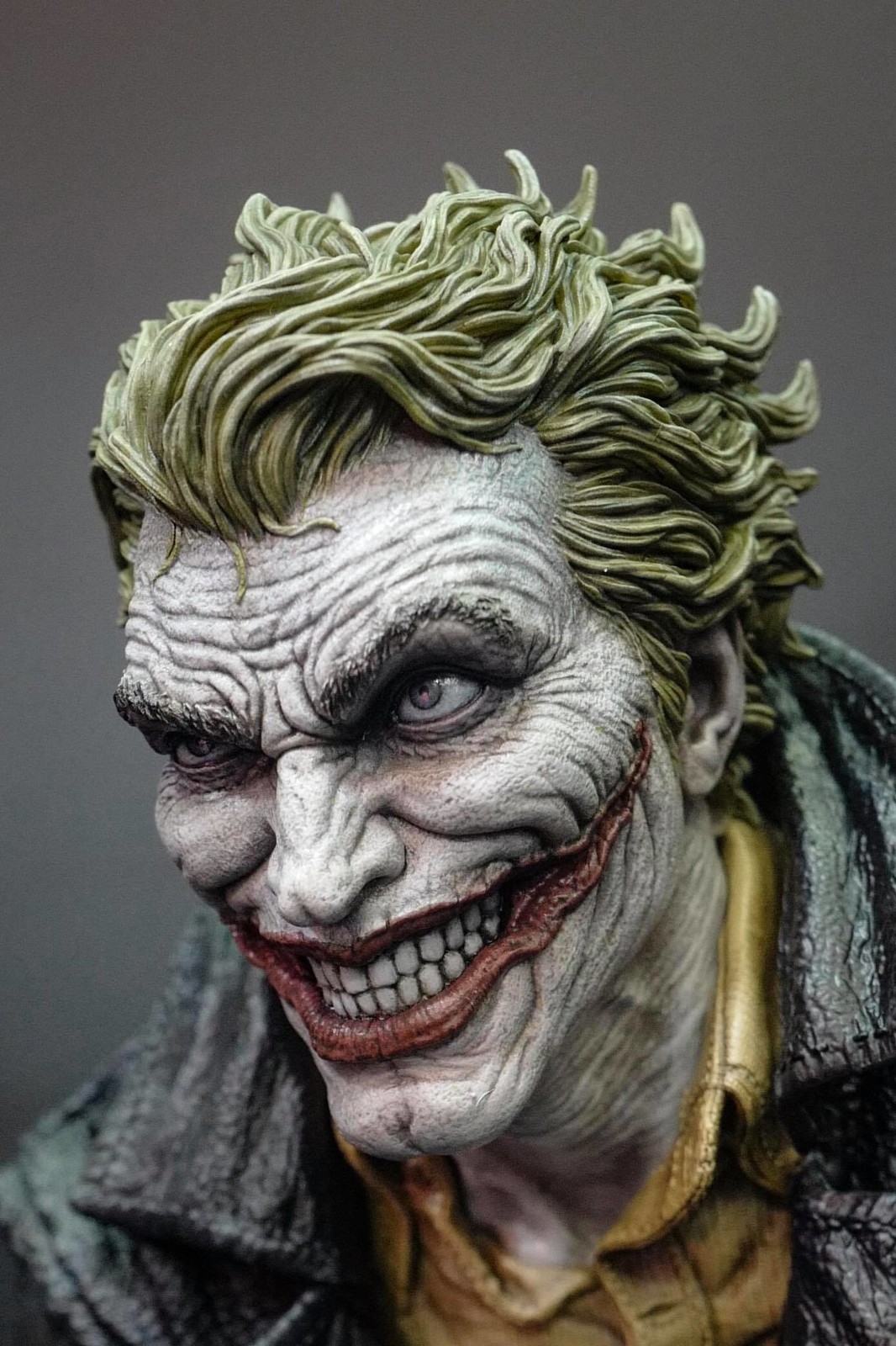 Lee Bermejo's Joker Design - Prime1 Studio