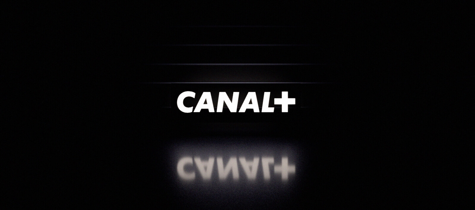 Identity - Moving Logo Canal