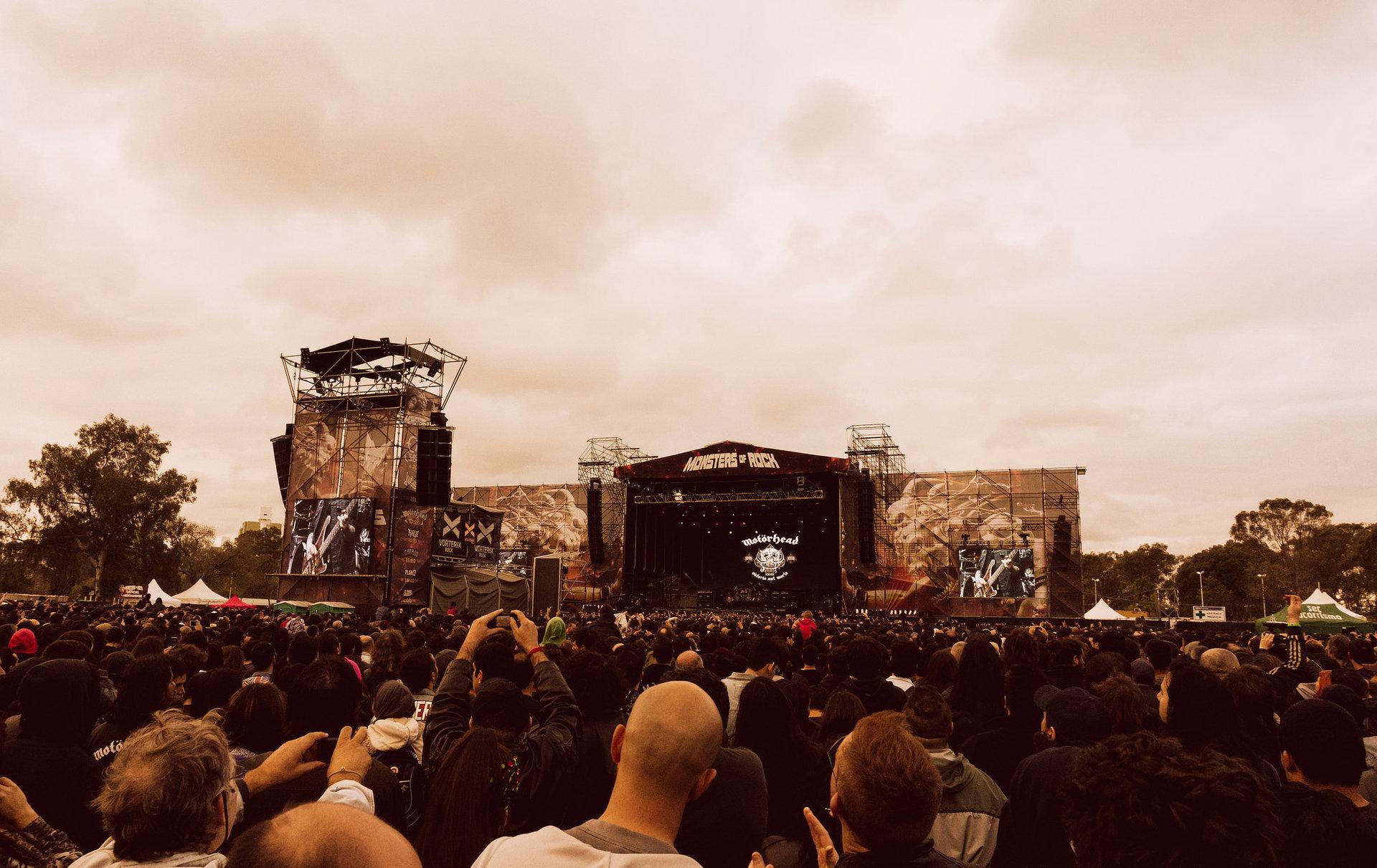 Mark van haitsma monsters of rock stage sm