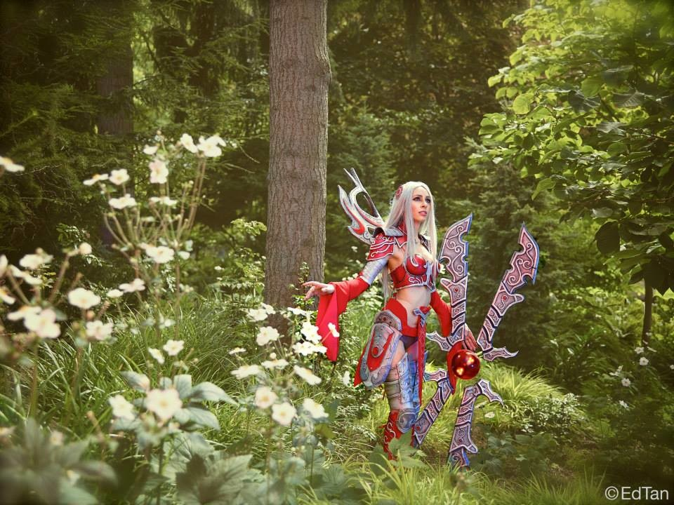 actual cosplay by Sofia Ajram, photo by EdTan.
