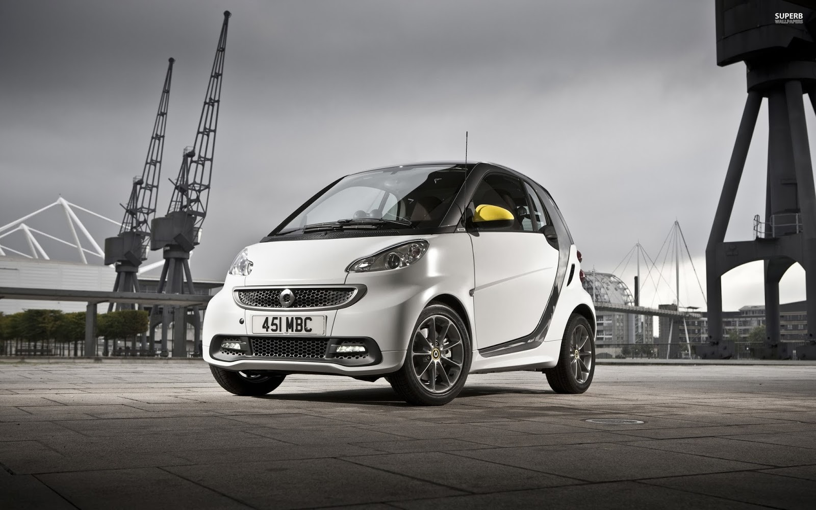 Andre camacho design smart car wallpaper