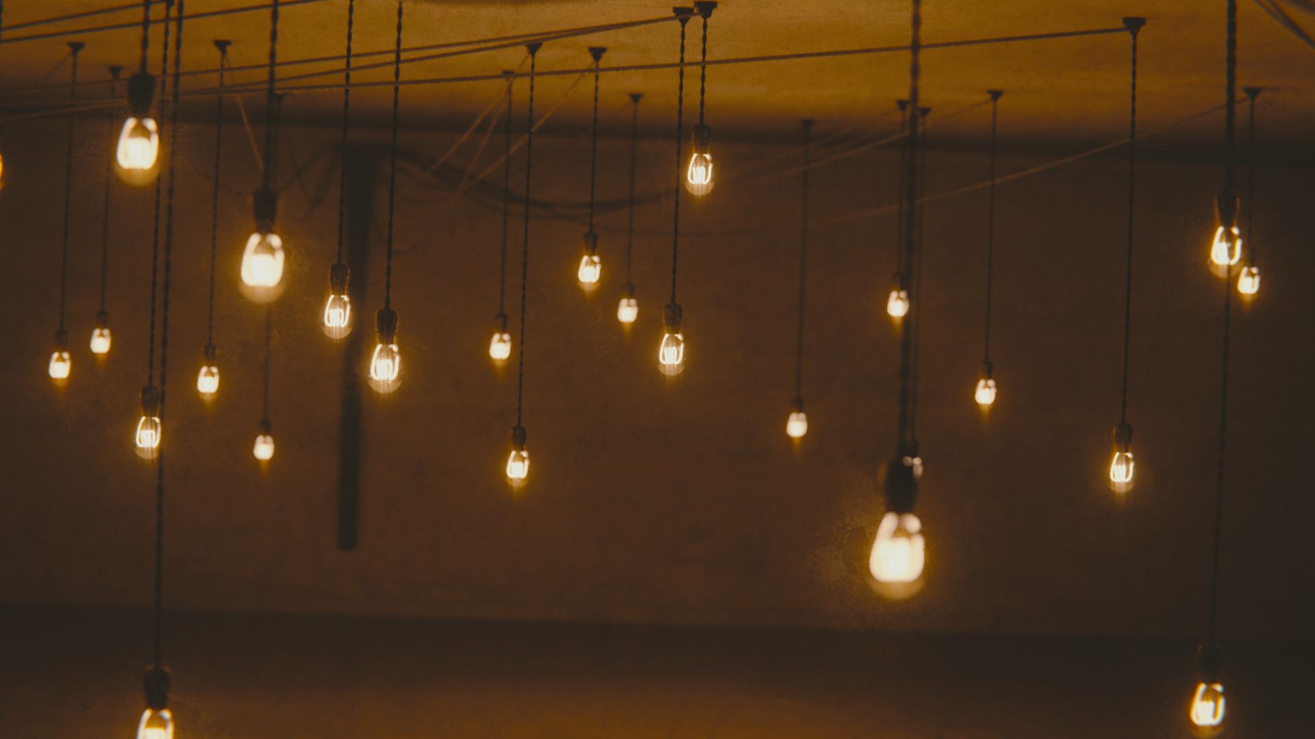 Harrison magby hangingbulbsscene 6