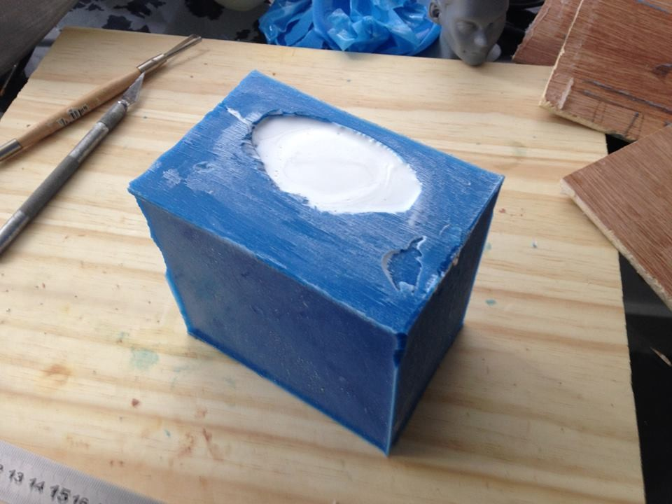 Finally, I close the mold and poured resin in cavity where the master used to be. The waiting time is only 20 minutes, but it felt like forever.
