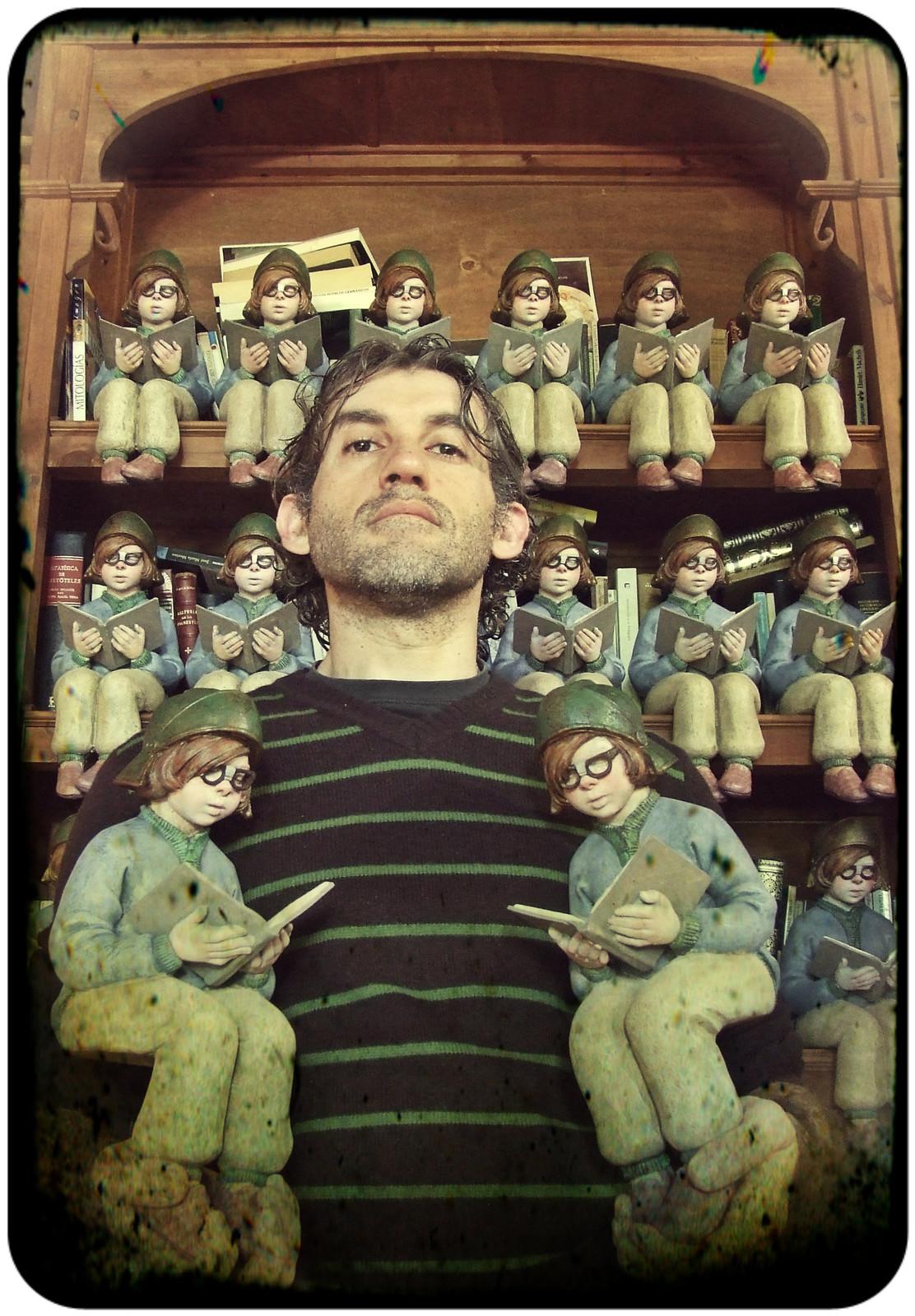 Francesc Grimalt, with his character.