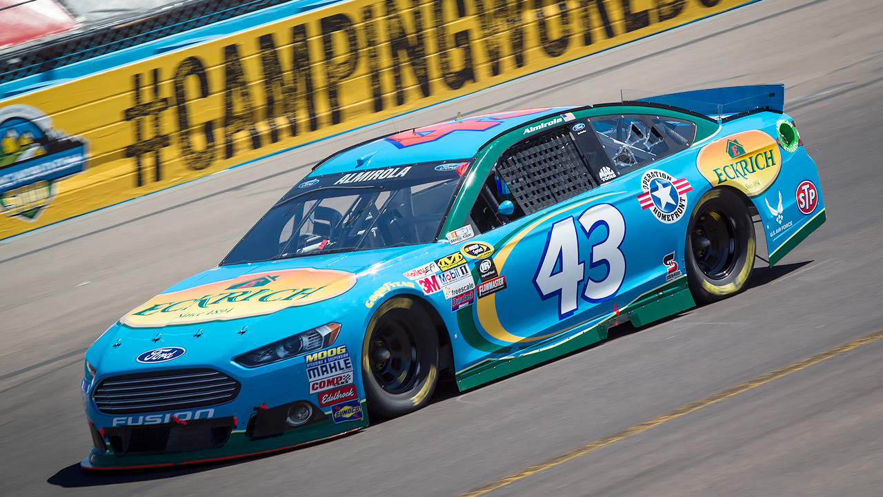 The 2015 #43 Eckrich Ford Fusion in action during the CampingWorld.com 500 at Phoenix International Raceway on March 15, 2015. (Photo credit: Brad Schloss Photographic, Smithfield Foods)