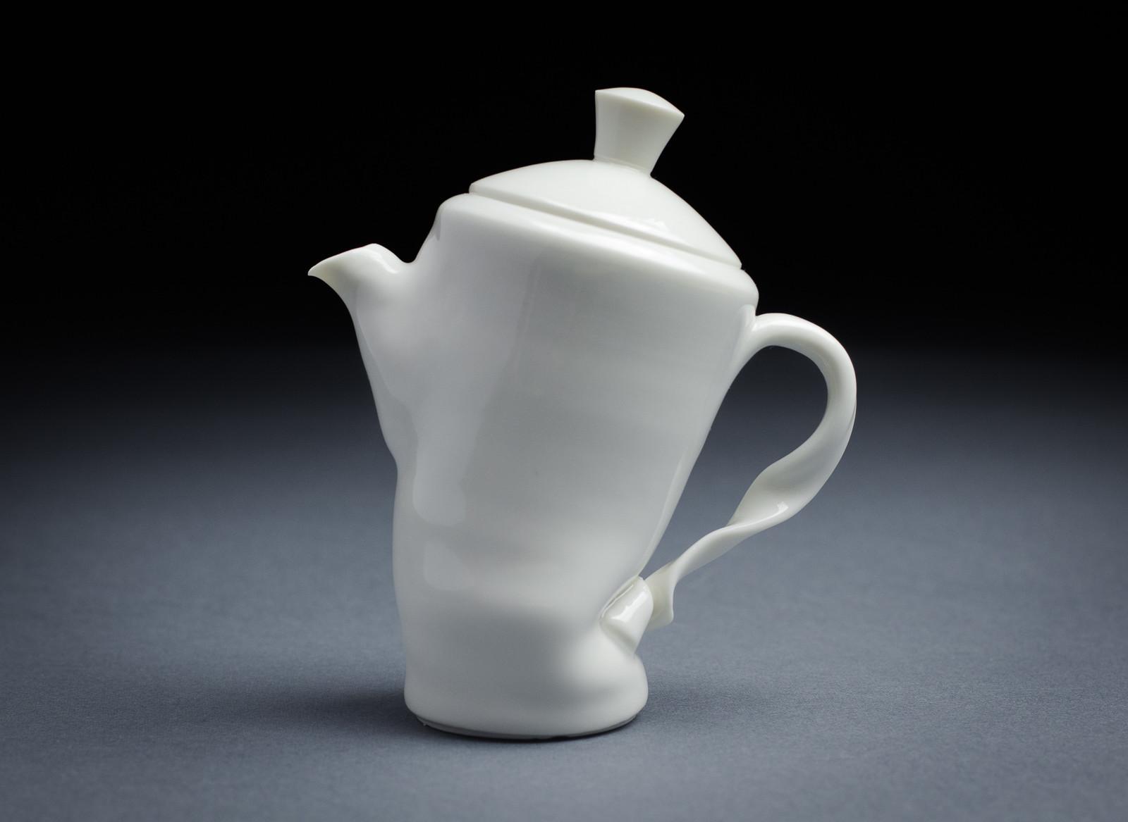 Porcelain teapot 002