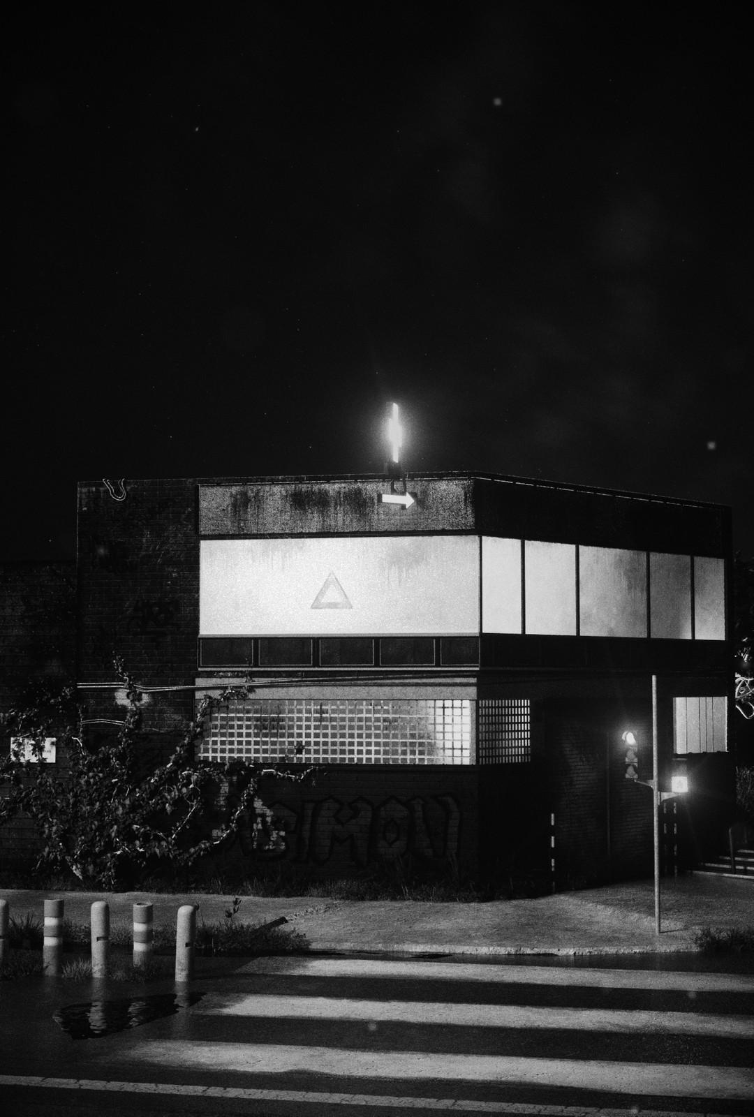 Night Building (NOIR)