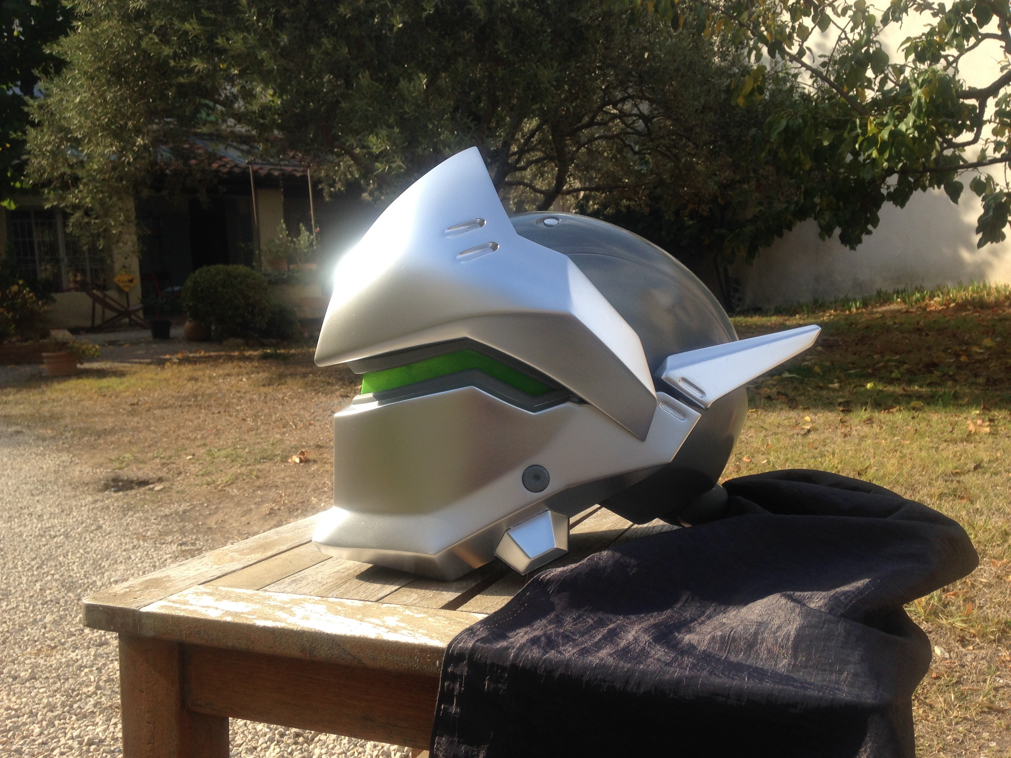 This is my (almost) finished Genji's helmet. Scroll down to see the progress