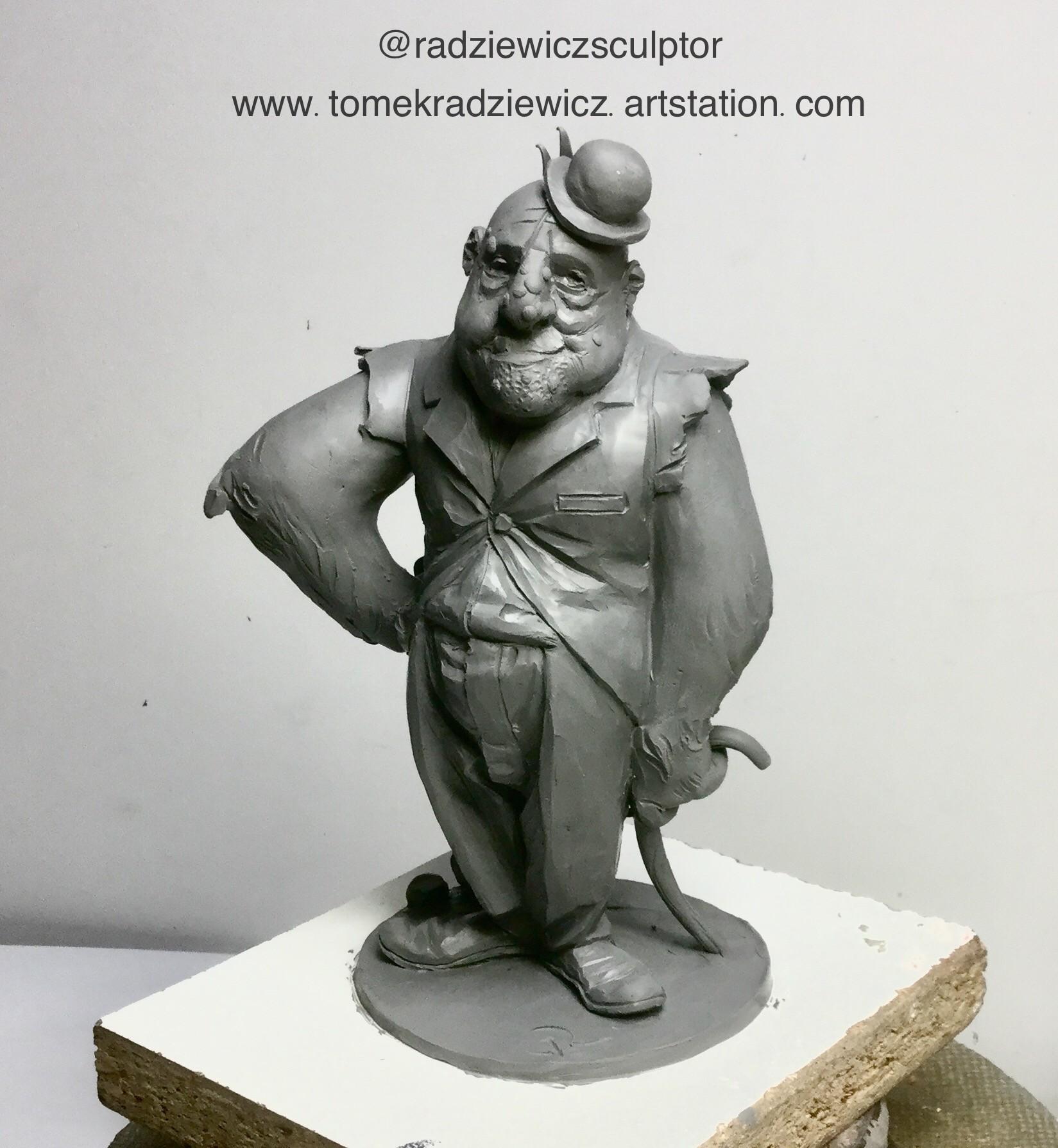 Tomek radziewicz 2ea037b1 9293 4ex 9780 b9817f272311