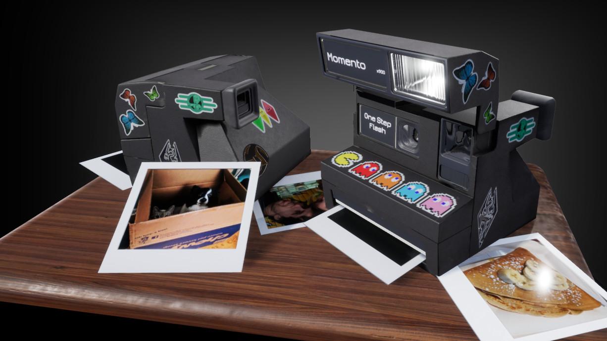 Momento Polaroid Camera