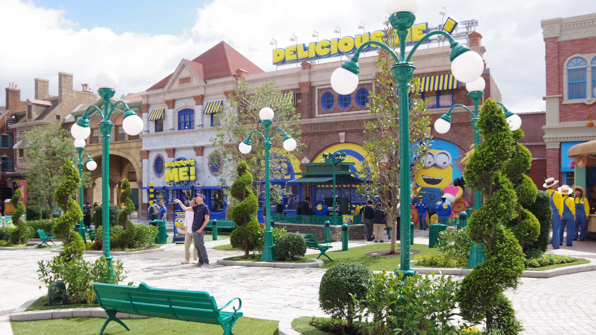 Production Image of F&B area in Minion Park