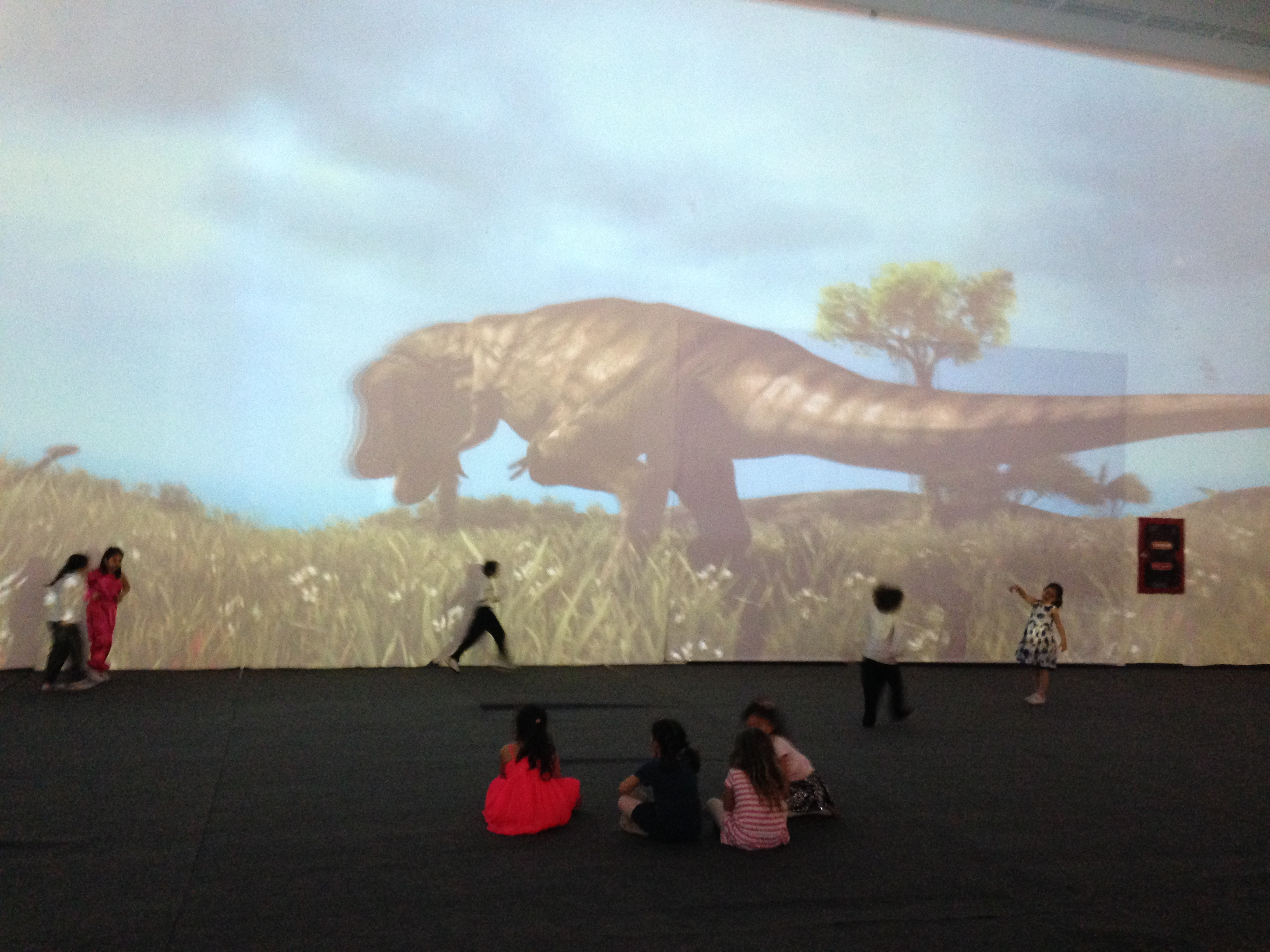 Dinosors in giant screen