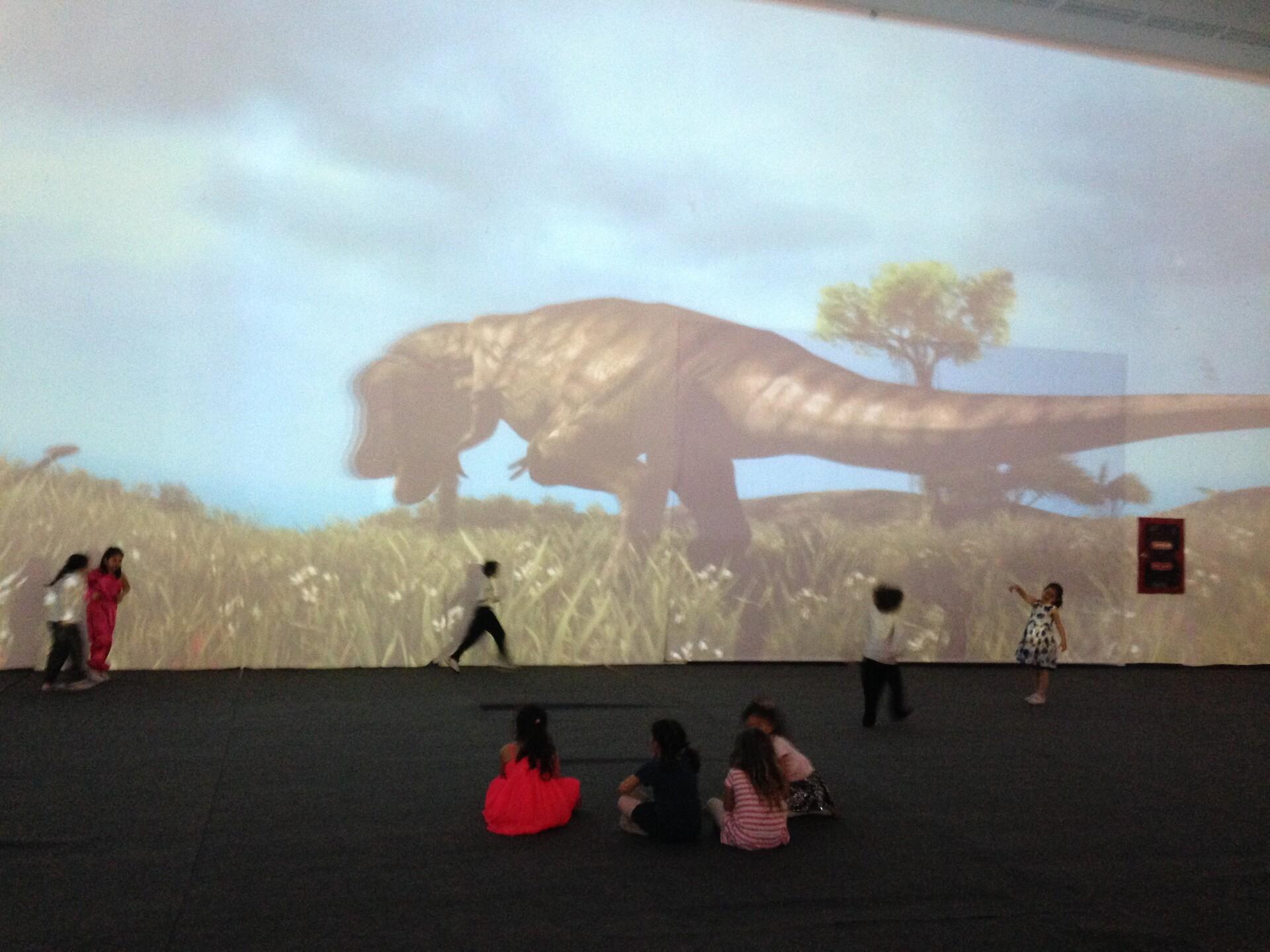 Dinosors in giant screen