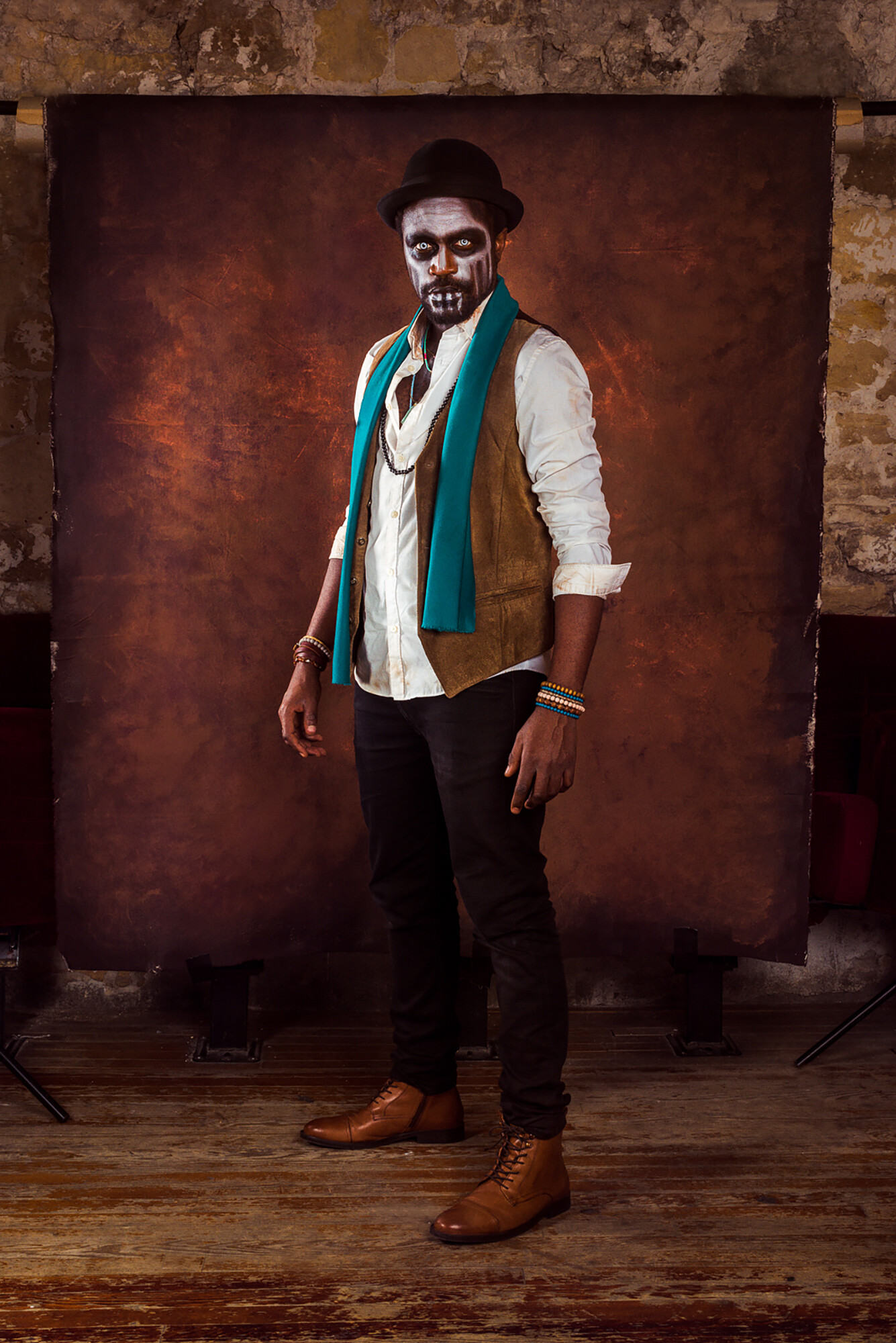 Model : Otis Ngoi