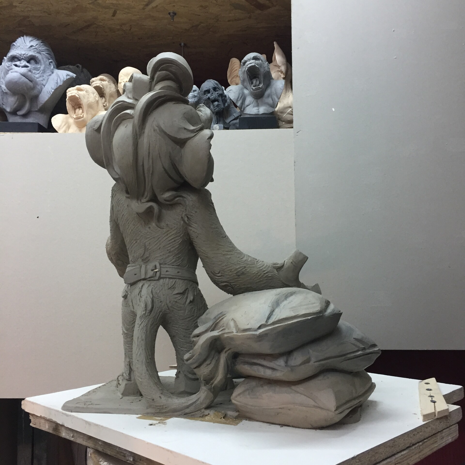 Hewelion wster clay sculpture. It is 53 cm tall.