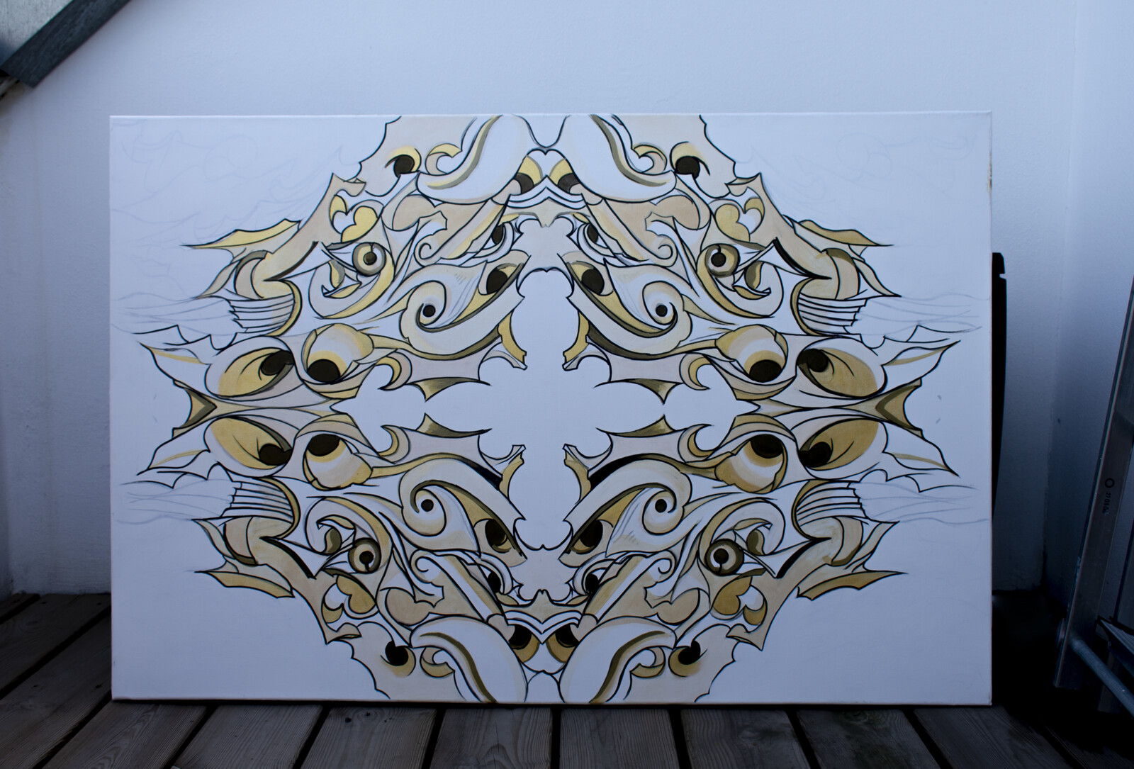 Ornamental White/Black/Gold