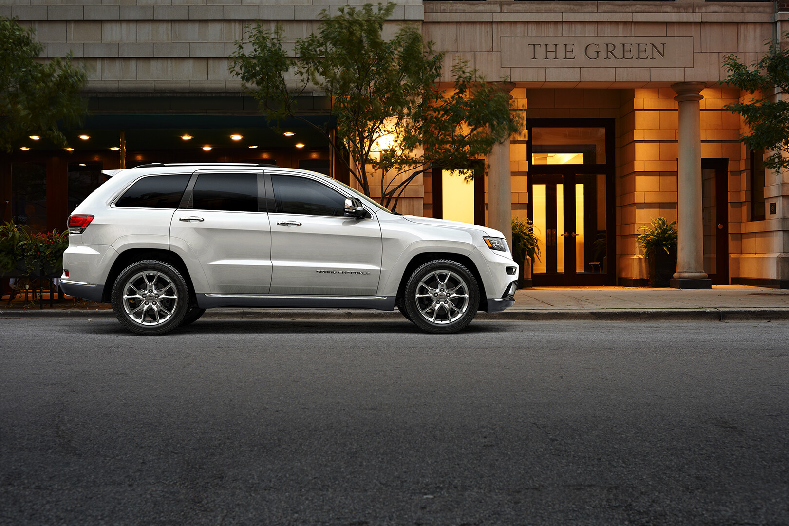 Jeep Grand Cherokee: Fully CG Vehicle