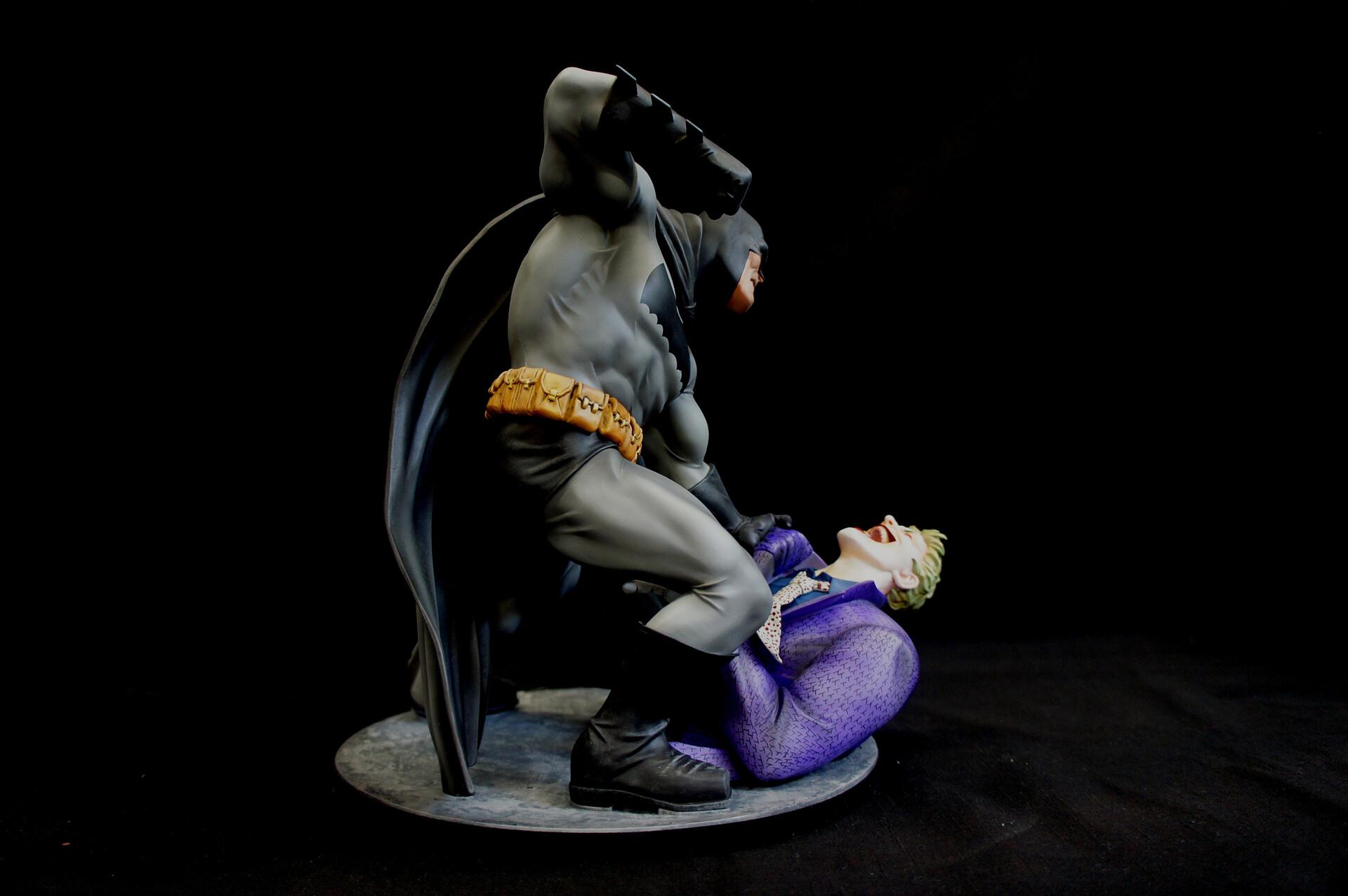 Frank Miller Dark Knight Batman vs Joker Diorama Art Statue