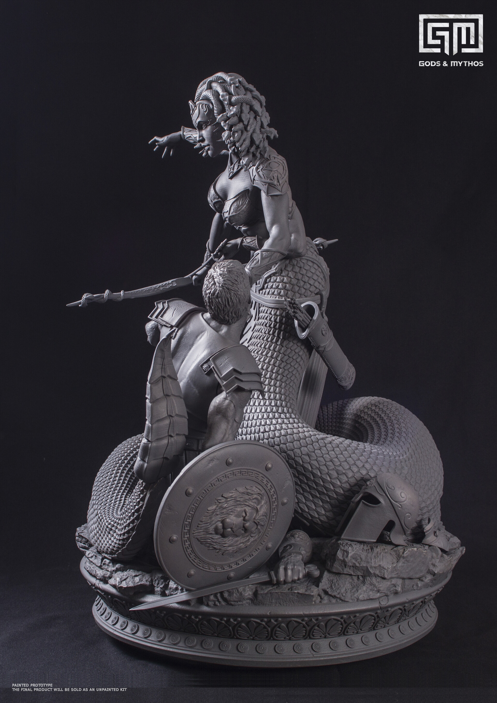 Alejandro pereira montaje medusa gris9