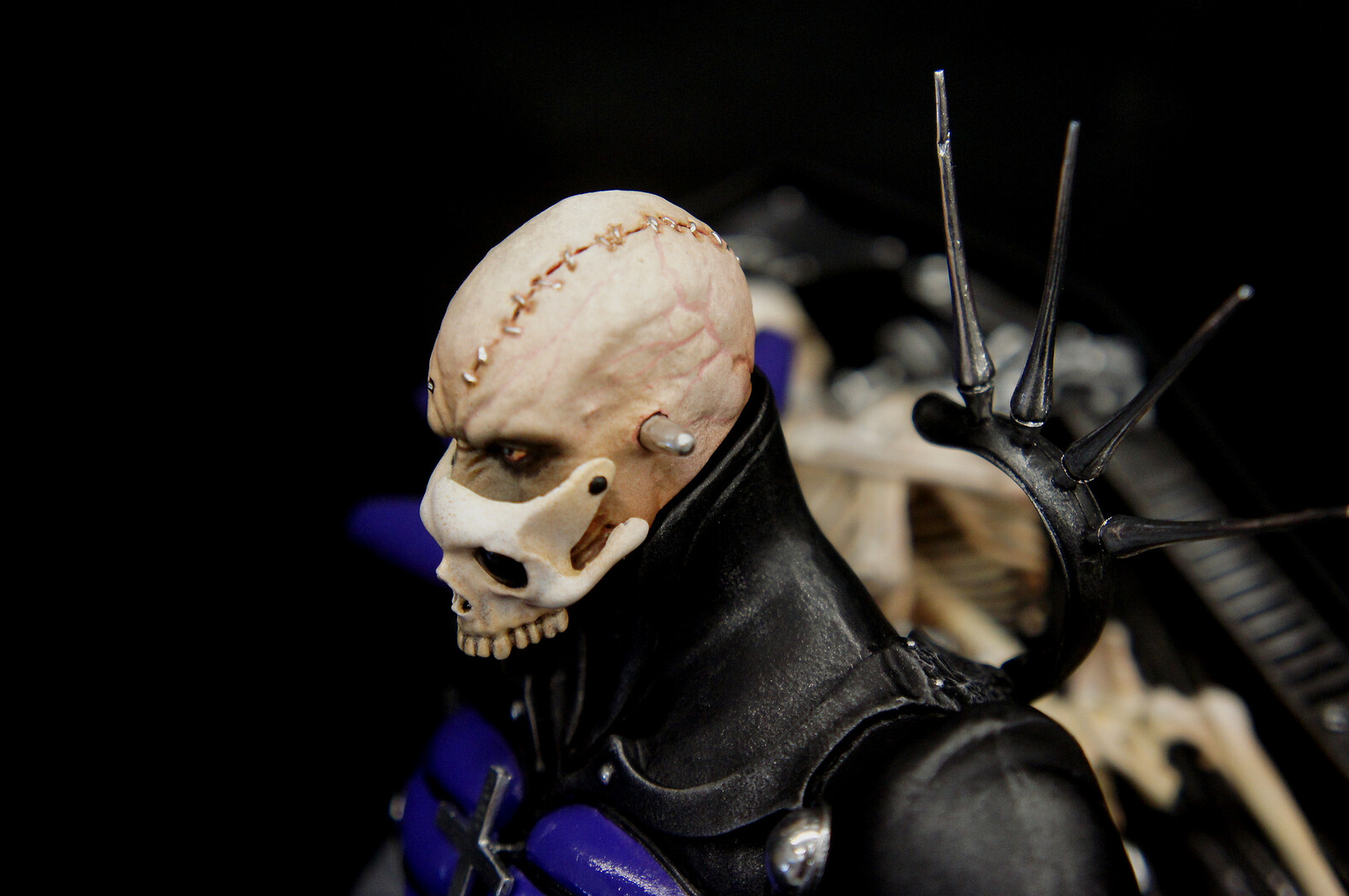 Yasushi Nirasawa: Punishment Sodo Coffin Art Statue