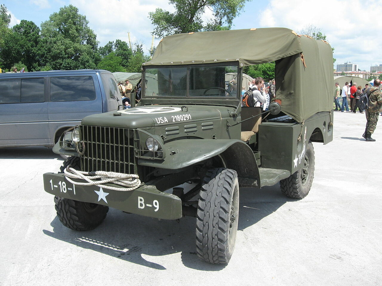 There are a lot of variants of the dodge WC series of WWII jeeps. Most have similar features, with the biggest differences emerging on the front and hood, or the back of the truck bed.