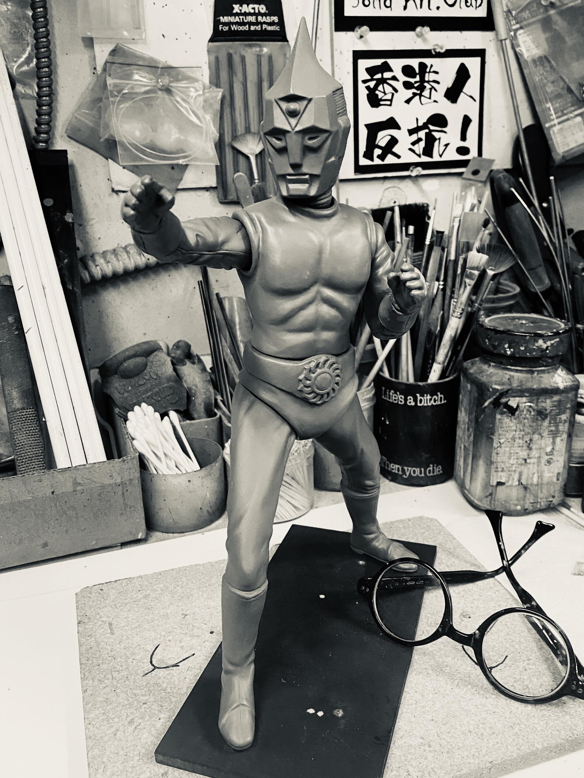 原型制作Robin Kwok: スペクトルマン 30 cm original sculpt 30 cm Spectreman in progress https://www.solidart.club/