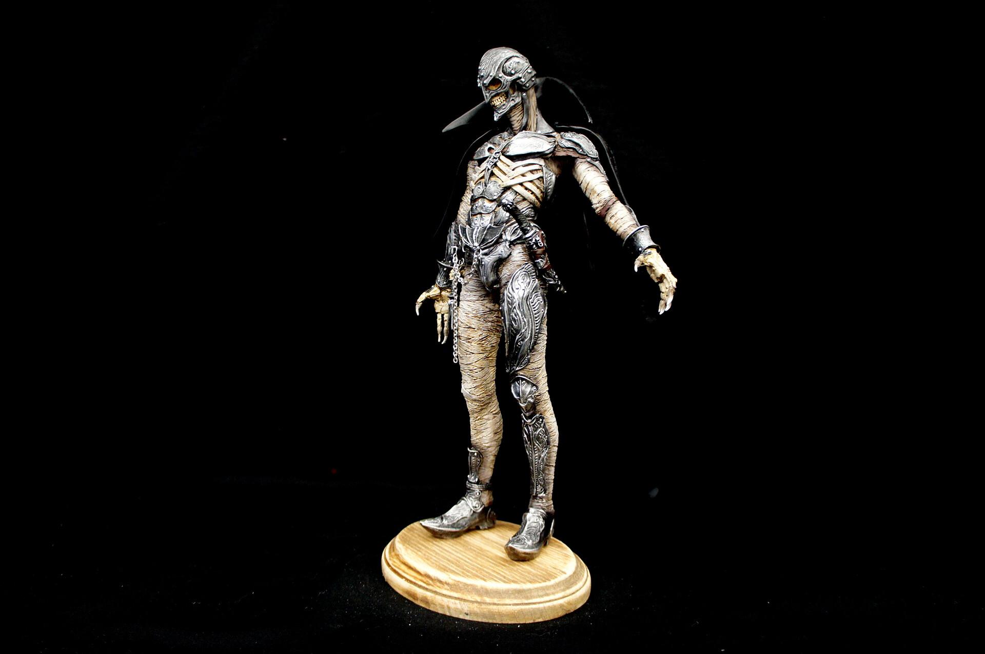 Hellpainter Goldova 1:6 Art Statue  https://www.solidart.club/