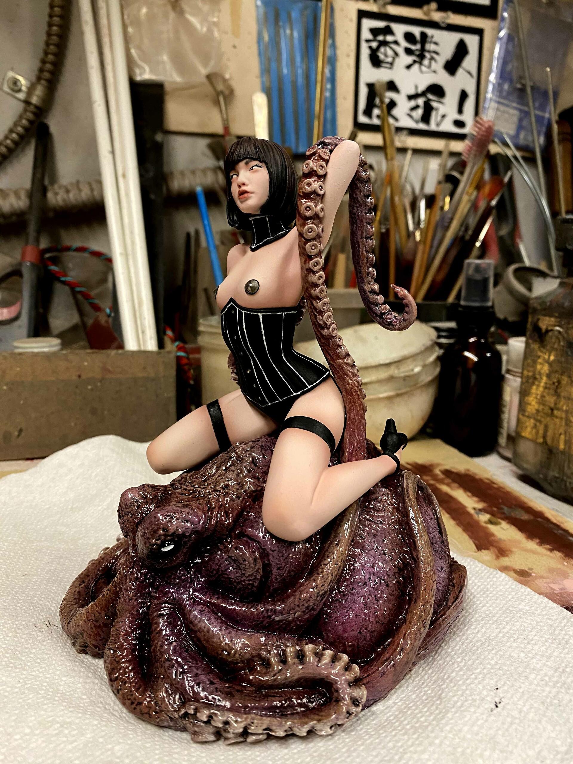 Octopus Girl  W.I.P.  https://www.solidart.club/