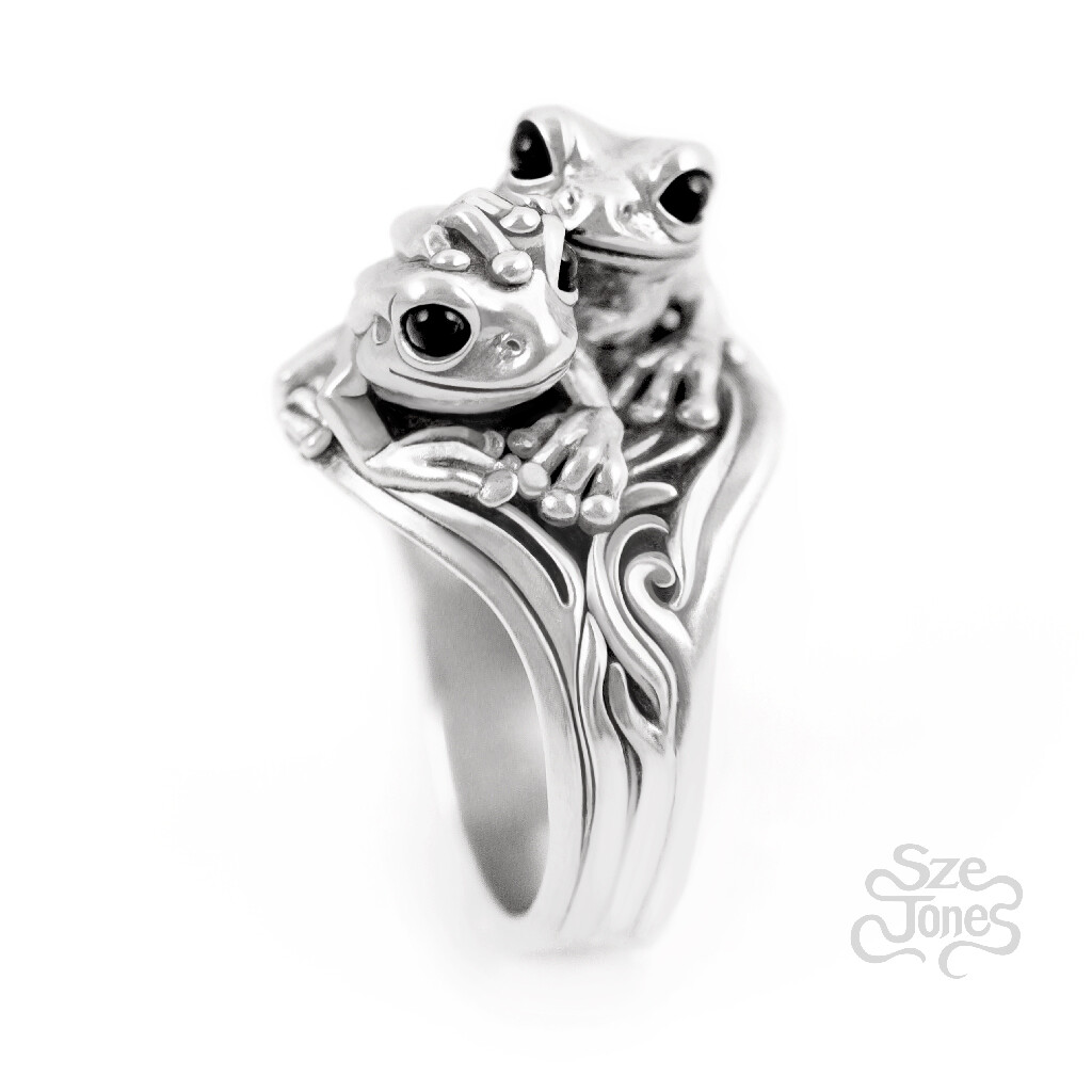 Twin Frogs Ring