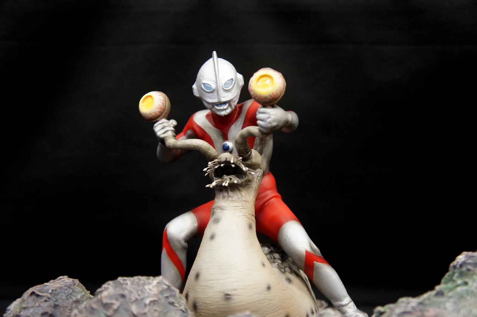 Namegon vs Ultraman Art Statue ナメゴン対ウルトラマン  https://www.solidart.club/
