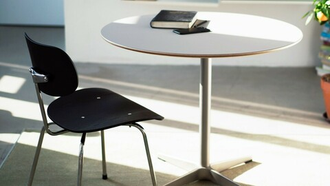 702X TABLE -SILVER- Round Table