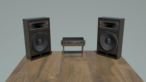 Speaker and amplifier